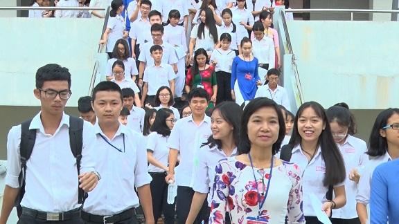 Sở GD&ĐT Quảng Nam đã đặc cách thi tốt nghiệp THPT năm 2018 cho 24 em khuyết tật, đau ốm.