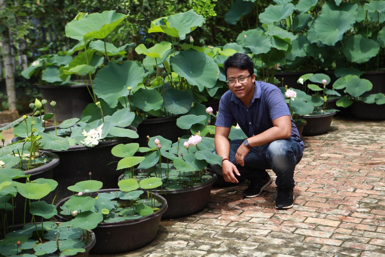 Chàng trai biến nhà tầng nở hoa giữa lòng xứ Quảng